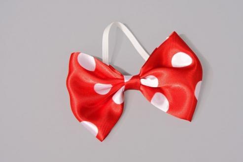 Fliege rot mit weißen Punkten für Zirkus Clown und Karneval