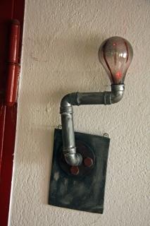 Industrieleuchte mit Rotlichtbirne, ca. 36 cm