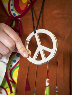 PEACE-Anhänger an Kordel