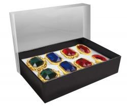 Schachtel mit 8 sortierten Ringen
